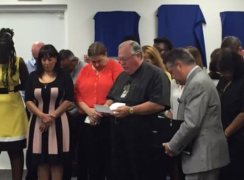 El Faro Prayer Service